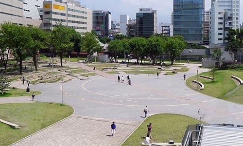 昼の警固公園画像